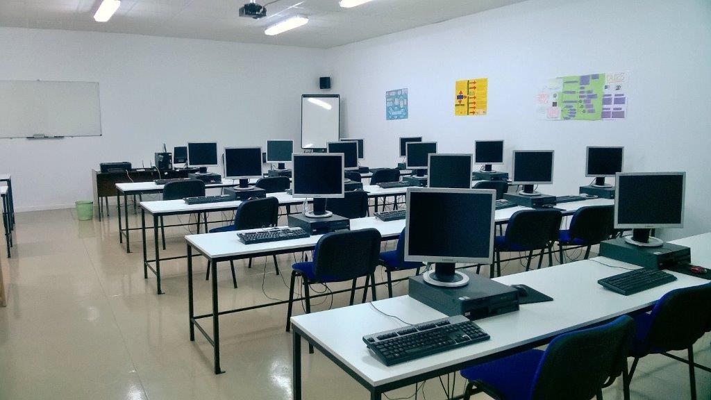 Aula de informática de Academia Maestre